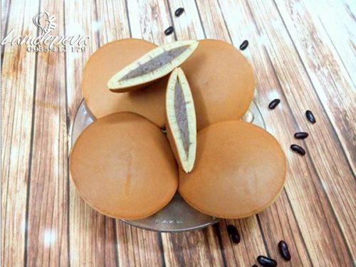 Cách làm bánh rán Đôrêmon nhân đậu đỏ đơn giản