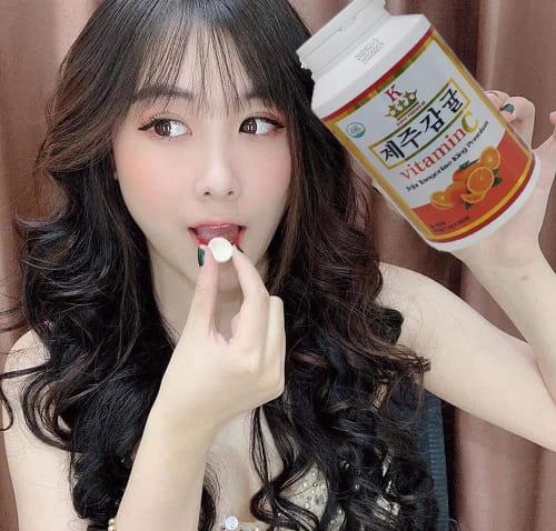 Viên ngậm Vitamin C Jeju Tangerine King Premium review-5